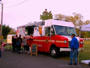 The Rescue Rolls Truck Serves Patrons. Image Credit: Staten Islander