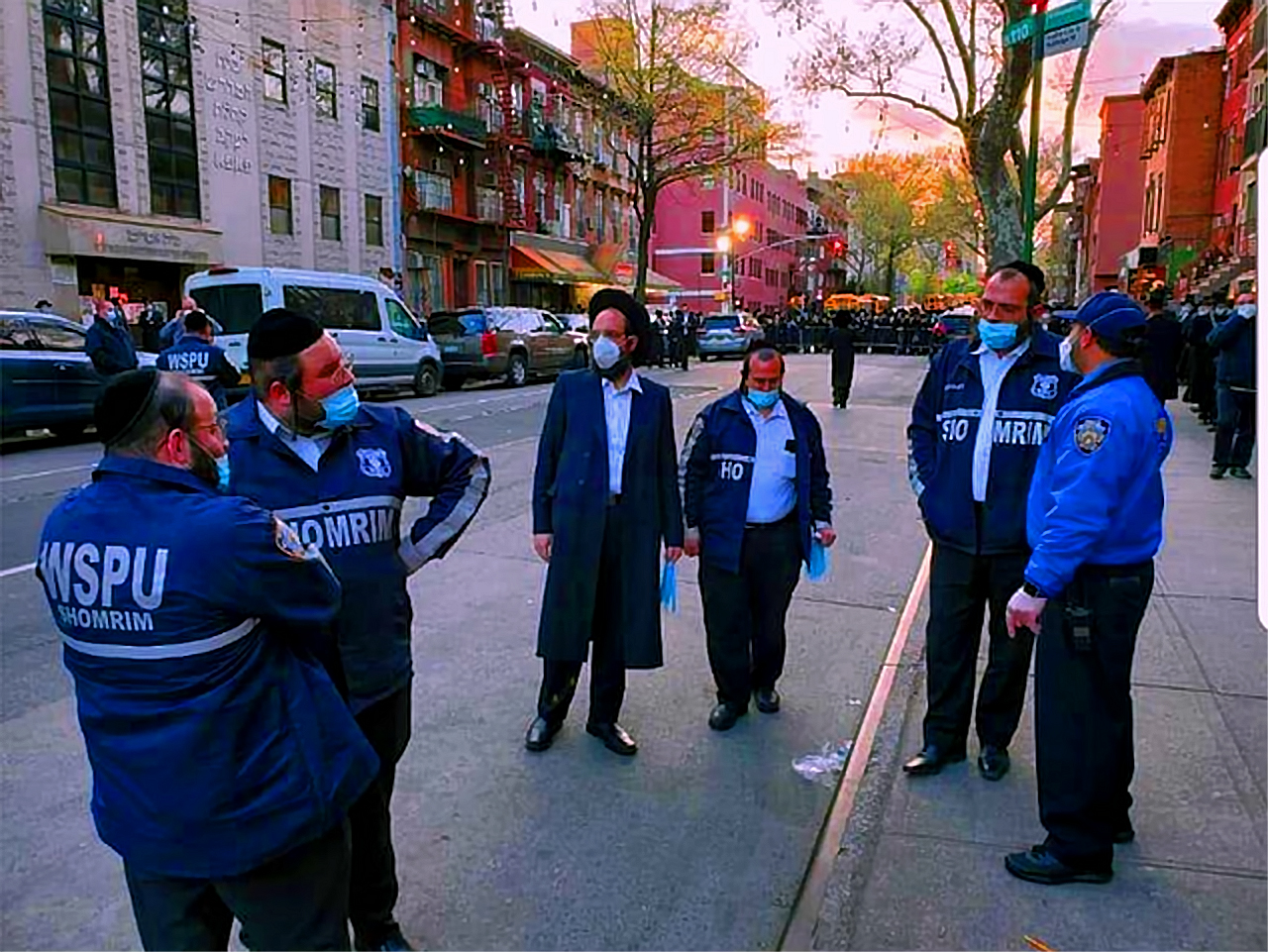 Shomrim Meet With NYPD Before the Funeral Procession