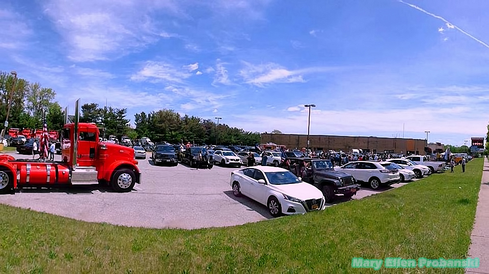 A View Of The Parking Lot Filled With Protestors' Cars At The Rally To Get Staten Island And New York City Back To Work - Image Credit Mary Ellen Probanski