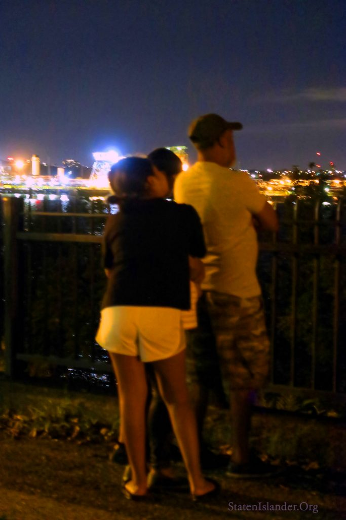 Staten Islanders Come To Richmond Terrace To See The 9-11 Tribute In Lights (3)
